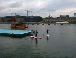 Berlin Badeschiff sitio de stand up paddle / paddle surf en Alemania