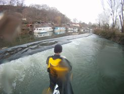 Lock and weir spot de SUP em Reino Unido