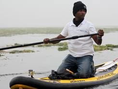 Dal lake fresh water lake sitio de stand up paddle / paddle surf en India