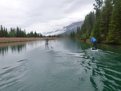 Canmore Forebay sitio de stand up paddle / paddle surf en Canadá