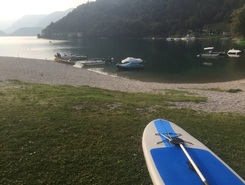 Fantastico laghetto spot de stand up paddle en Italie