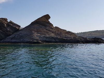 port-lligat paddle board spot in Spain