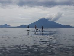 santa cruz paddle board spot in Guatemala