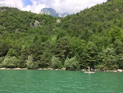 Lago di Molveno paddle board spot in Italy