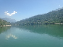 Lago di Cavedine paddle board spot in Italy