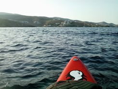 GREECE :  KYTHNOS ISLAND :  LOUTRA spot de stand up paddle en Grèce