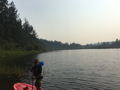 Young Lake at Camp Banard spot de stand up paddle en Canada