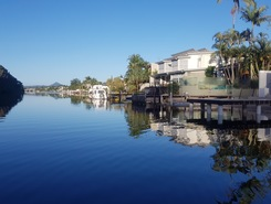 Noosa canals sitio de stand up paddle / paddle surf en Australia