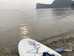 Family paddle board spot in Italy